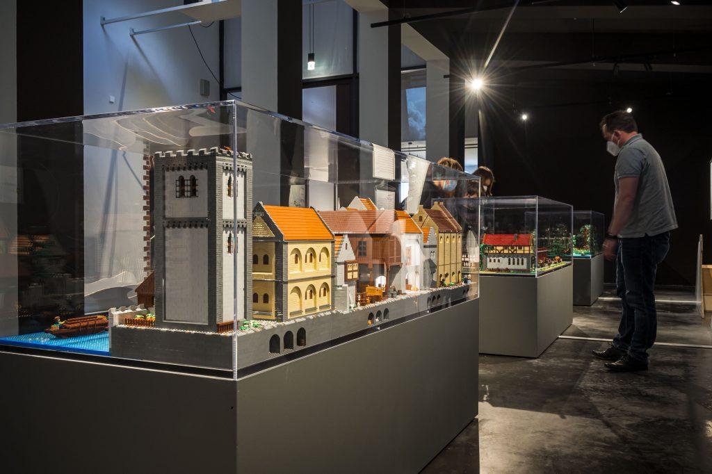Das Europäische Hansemuseum baut eine Dauerausstellung zur Hansegeschichte LEGO Steinen nach. Die Austellung eröffnet am  29. Mai 2021. Foto: © Olaf Malzahn